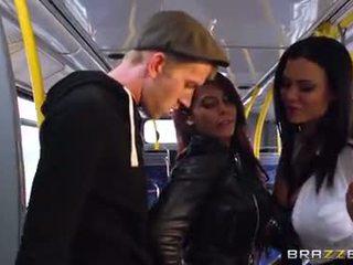Autobusas dulkinimasis už seksualu merginos madison ivy ir ja