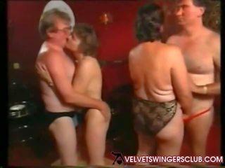 Velvet swingers club oma en seniors nacht amateur
