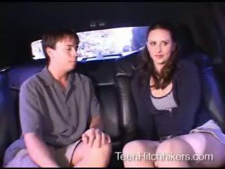 Giovanissima hitchhiker enjoying trio sesso