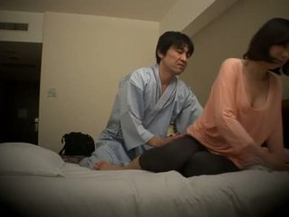 Subtitled japanska hotell massagen muntlig kön nanpa i högupplöst <span class=duration>- 5 min</span>