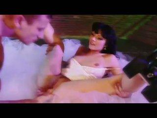 Sexy miúda ava rose gets dela cona eaten e swallows um grande difícil caralho