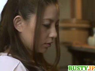 Mako oda krūtainas ir screwed ar dildo