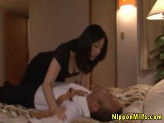 Japanisch asiatisch reif küssen