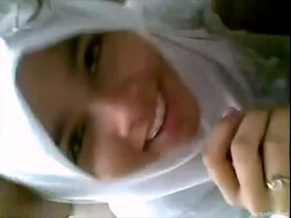 Pretty Indonesian girl gives blowjob