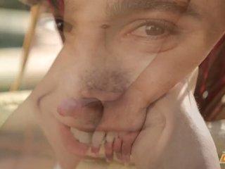 Dominant giovane gay ace parker strokes suo per il vostro il piacere