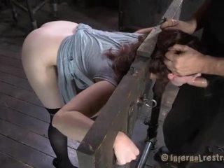 奴隶 gets vicious drilling