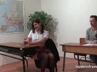 Seksual fransuz arab student göt fucked in threeway by her classmates
