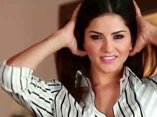 Spicy Sunny Leone Provoking