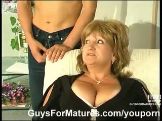 Plump mature fucked by asian guy