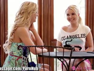 Allgirlmassage milf step-mom lezbijke facesits - porno video 031