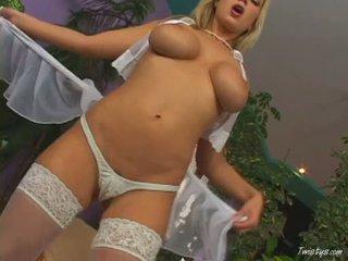Breasty carol goldnerova rubbing ju pička wearing príťažlivé nylons