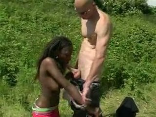 Afrikane amatore fucked outdoors