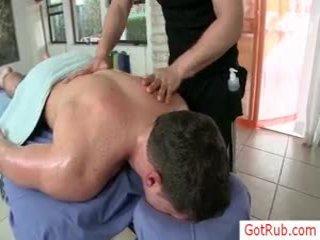Guy receives chắc chắn homosexual massage qua gotrub