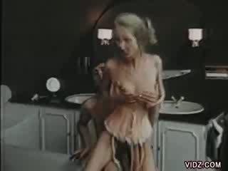 petite momma enjoys sex with Skinny guy