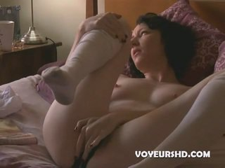 full brunette, orgasm, voyeur real