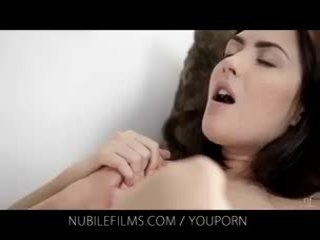 Nubile кинофилми - тя разкошен приятелка licks путка така добър