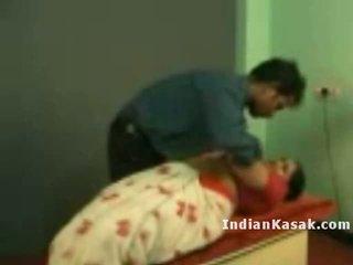 Ấn độ tamil trường học giáo viên radha fucking với colleague trong lớp học