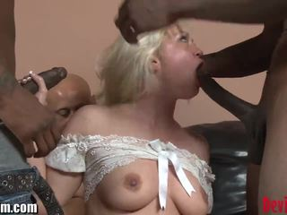 Devilsfilm blondin interracial gangbang