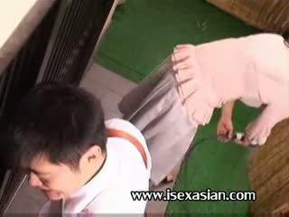 Азиатки възрастни an леля трябва секс с two млад студент