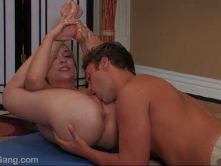 Jamie elle takes a liels dzimumloceklis uz viņai mute