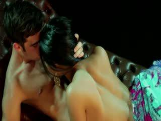 Gypsy goddess phụ nữ receives stimulation từ cô ấy lover
