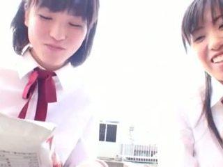 Ázsiai pajkos tanuló seduces neki félénk leszbikus barát