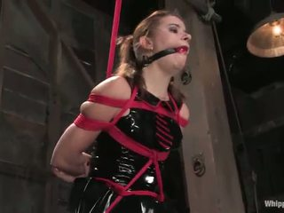 Sarah blake has tortured et toyed par claire adams