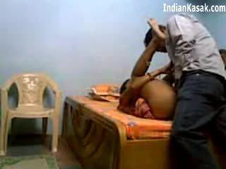 인도의 servant 빌어 먹을 대단히 단단한 와 houseowner 에 침실