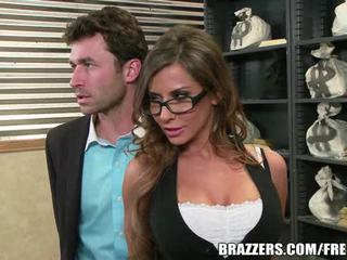 Madison ivy's perpekto puwit gets split by kanya boss's titi