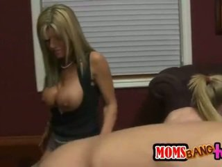 Lusty MILF Kristal Summers loves 3some