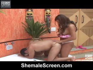 Blande av hardcore sex klipp av shemale skjermen