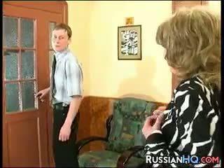 奶奶, 老+年輕, 俄