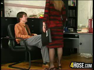Ryska mor körd av son i lag