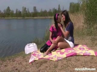 Outdoor Lesbo Rencounter