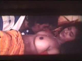 Southindian b fokozat mallu actress's csöcsök massaged klippek