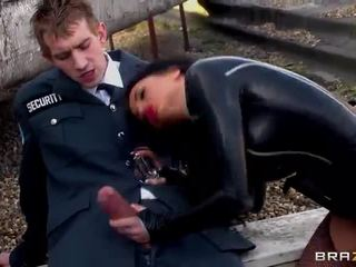 Sexy Round Titted Thief Stacey Lacey Gets Screwed