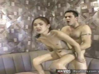 Azjatyckie kelnerka fucked przez muscle kutas