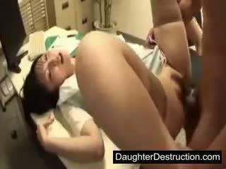 Jauns japānieši japānieši meita ļaunprātīgu