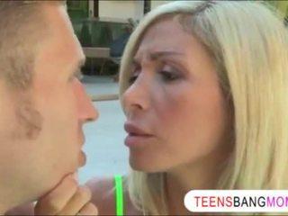 Chastity lyn اشتعلت لها boyfriend سخيف لها أقرن الخطوة أمي evita pozzi