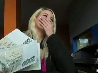 Czech slut Yenna pussy pounded for money