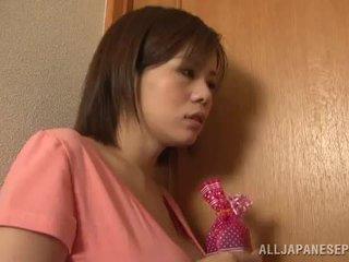 Bigtitted азіатська мама lets її hubby грати секс гра порно гра разом близько по її пряний цицьки