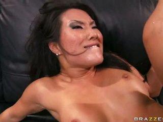 Asa akira works ciężko do zrobić jej człowiek eksplodować w jej bitchylicious usta
