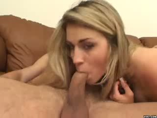 सेक्सी blondie ciera sage strokes पर विशाल पेनिस
