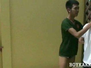 Tailandesa guaperas follando grupo de 3