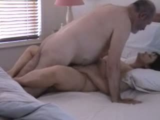 Old dude getting his mature wife Pauli hot in bed Video