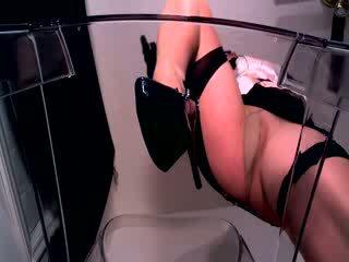 Pov erotic hypnotist în lucios ciorapi și ciorapi scurti sitting peste ei paralyzed sclav