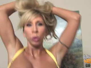 Morgan Ray Milf Have Some Oral Job In Front Of Her Son