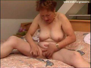 brunette, masturbating, old, masturbate