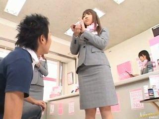 Japonais av modèle fesses peloté