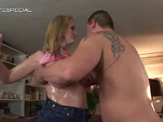 Mature Milf Receives All Her Holes Filled